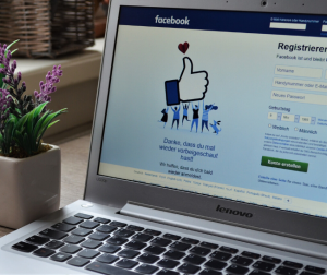 Updating your Facebook pages can help boost your SEO for photography.