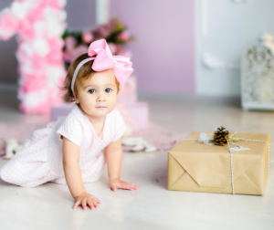 Awesome baby photoshoot ideas can help you get referrals.