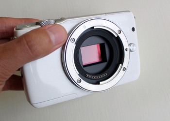 Is a mirrorless camera right for you?